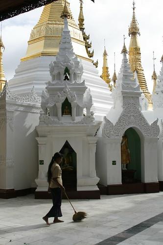 Limpiadora Shwedagon Pagoda
