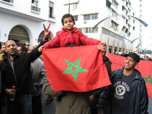 Una bandera marroqui en una protesta