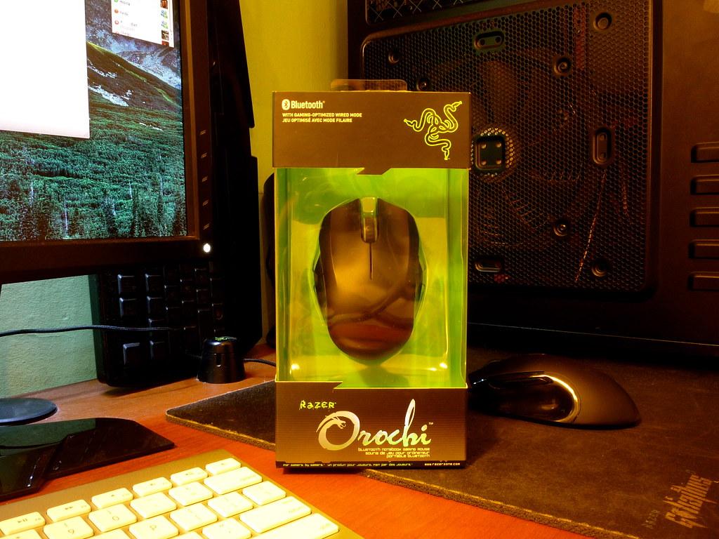 Razer Orochi portable Bluetooth gaming mouse