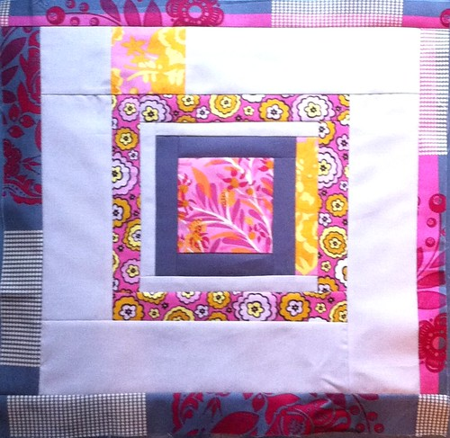 {Sew} Beautiful Bee block for Emily