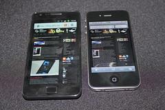 Samsung Galaxy SII und iPhone 4