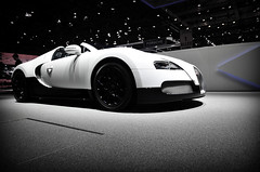 Bugatti Veyron 16.4 Grand Sport (Bart Willemstein) Tags: auto cars car sport geneva grand autoshow automotive 164 bugatti genve autosalon motorshow veyron palexpo 2011 bartw autogespotcom bartwillemsteinnl