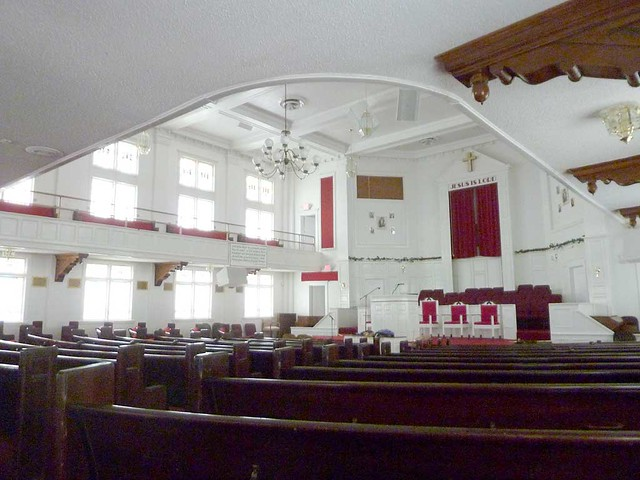 P1080035-2011-02-28-Pentecostal-Church-of-God-Howard-Street-Kirkwood-Atlanta-South-windows