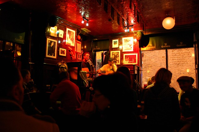 Live music at Temple Bar