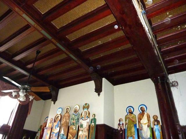 P1080334-2011-03-10-Phoenix-Flies-Stonehenge-Library