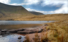 L l y n   Y   F a n   F a w r (  ) Tags: park blue trees sunset sky lake mountains beach wales pen reflections river fan corn rocks sheep y stones south peak national fields farms welsh brecon beacons livestock penyfan ddu reservior llyn fach talybont ystradfellte fawr neuadd