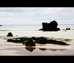 Fantasía de tonos en Trengandín (Leonorgb) Tags: beach canon mar leo playa arena kdd rocas cantabria cantábrico noja nd8 trengandín costaorientaldecantabria fantasíadecolores
