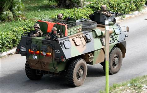 Tanks from the French occupation forces that are fighting to overthrow the government of Ivorian President Laurent Gbagbo. France and other imperialist states, including the UN, have demanded that the government be turned over to a rebel leader. by Pan-African News Wire File Photos