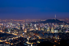 Seoul night view (renan4) Tags: street city travel light mountain building night landscape nikon asia cityscape mt view tripod seoul nikkor renan   gicquel d80 inwang inwangsa renan4