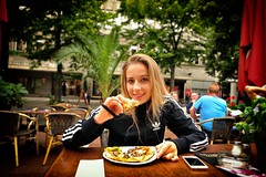 Pizza Hot (Steve Lundqvist) Tags: pizza eating meal food girl berlin hot hut portrait nikkor nikon 24mm adidas sweater fleece black street