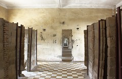 Tuol Sleng - cells