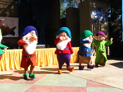 The Seven Dwarfs On Stage At Character Fan Weekend (Castles, Capes & Clones) Tags: california disneyland disney anaheim grumpy frontierland dopey bashful sneezy snowwhiteandthesevendwarfs disneylandresort disneycharacters disneylandcastmembers familyfunweekends festivalarena characterfanweekend
