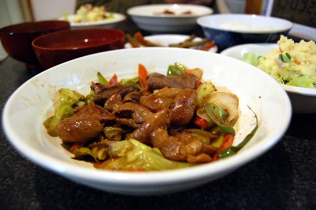 モツ野菜炒め。味付けはまあ、良し。焼き加減は要努力! #jisui