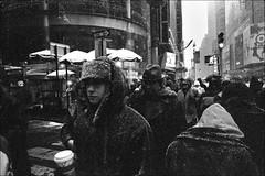 Crossing (RoryO'Bryen) Tags: newyork manhattan crossing roryobryen leica m7 street film iso3200 people gente rúa rue calle strada city cidade ciudad urban urbano snow nieve neige nevica candid leicam7 leicam rangefinder nuevayork analog 35mm messsucher leicaelmaritm28mmf28asph copyrightroryobryen