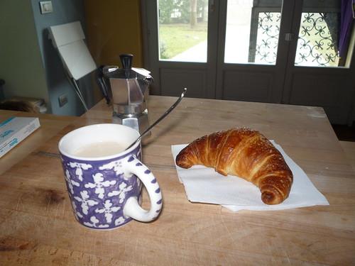 Day 19: Cornetto (croissant)