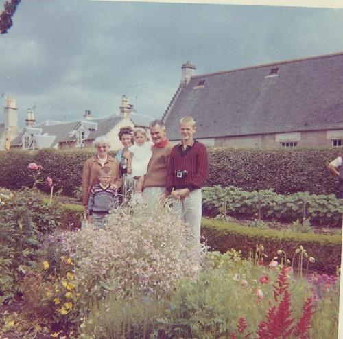 McCreath family - Alloway Cottage 1963