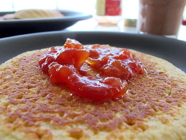 Panquecas com doce de tomate caseiro