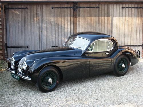 Jaguar XK120 SE FHC (1953).