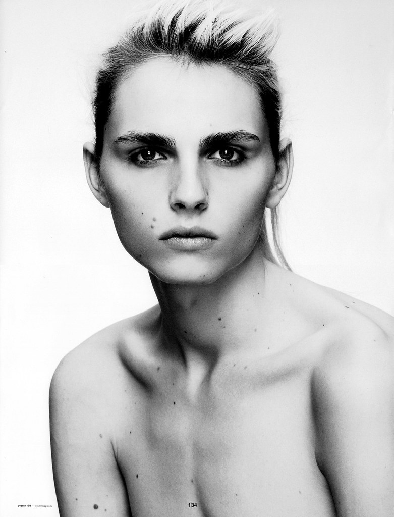 Andrej Pejic0251_OYSTER91FEBRUARY-MARCH 2011_Ph Jez Smith(Steelmachines)