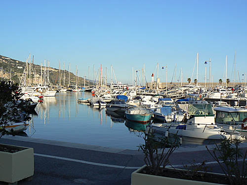 Le port de Menton