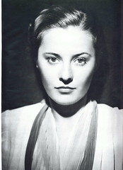 A stunning portrait of Barbara Stanwyck (Silverbluestar) Tags: ladies girls bw classic film beautiful beauty vintage stars 1930s women pretty 1938 hollywood actress movies celebrities brunette womens barbarastanwyck