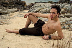 Cabo Estay (MeigaNe) Tags: boy men beach mar nikon body playa modelo arena galicia chico hombre vigo cuerpo desnudo d80 fabiorey caboestay