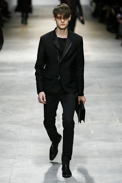 Douglas Neitzke3261_FW11_Milan_Costume National(VOGUEcom)