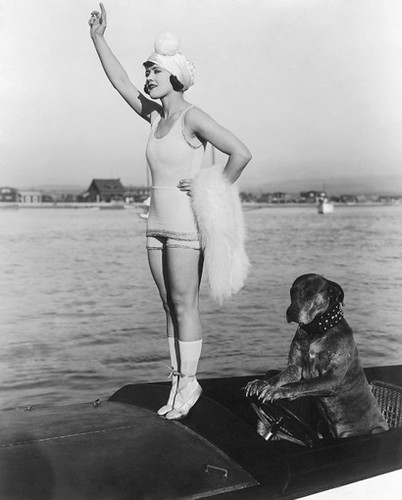 gloria_swanson_teddy_at_the_throttl