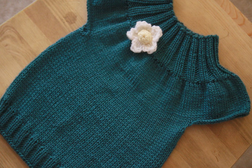 knitted baby top in green