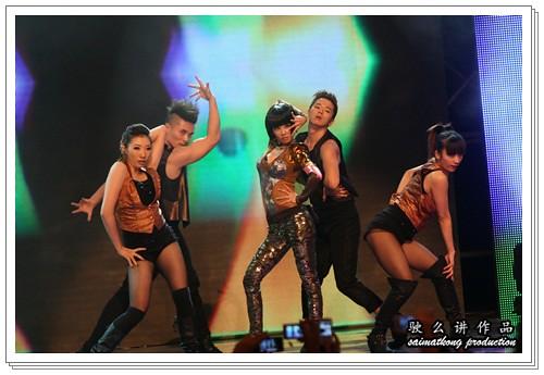 Jolin Tsai sexy bare back 蔡依林性感露背