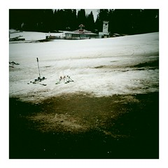 last days of skiing. (zwergenprinzessin) Tags: winter snow mountains handy austria skiing telephone cellphone samsung galaxy vignette android app cellphonecamera schifahren wintersports 2011 hinterstoder hss i9000 samsunggalaxysi9000 2011april