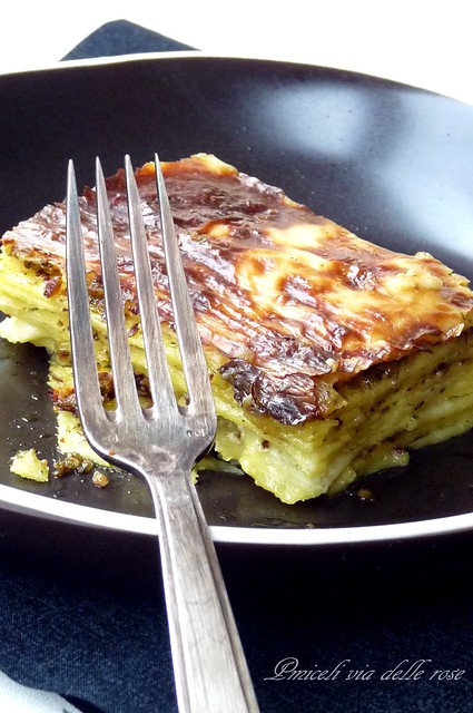 Lasagne al pesto con salsa bianca al cognac - Lasagna with pesto and white sauce with cognac