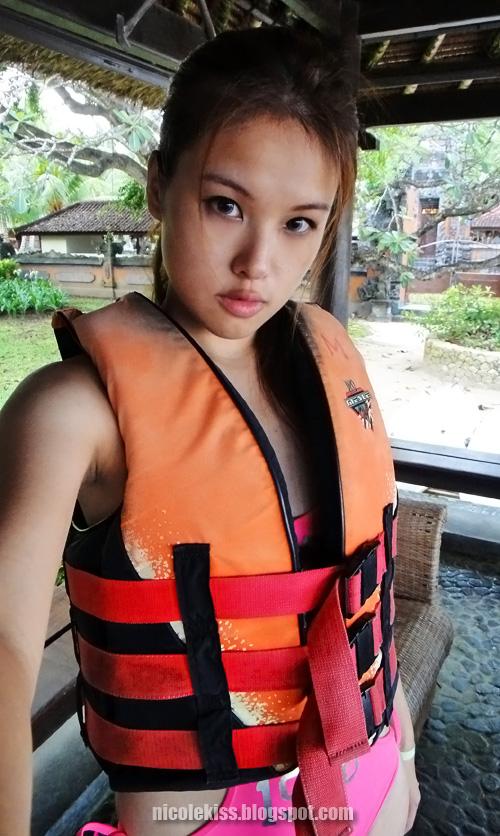 me in life vest