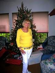56201742G (acandidgilf9) Tags: sexy candid mature granny gilf