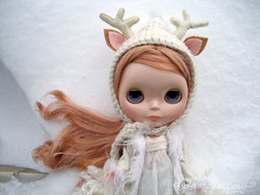 snowday (merwinglittle dear) Tags: winter white snow vinter doll day deer va blythe arden