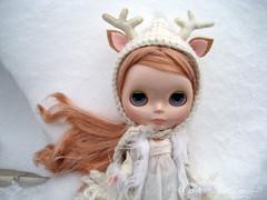 snowday (merwinglittle dear) Tags: winter white snow vinter doll day deer va blythe arden
