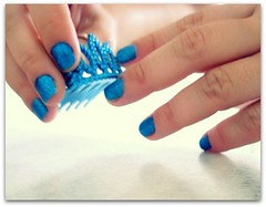 Photography Journal 33/365 (Teka e Fabi) Tags: blue azul project hands nails crown 365 coroa maos partsofme tekaefabi partesdemim