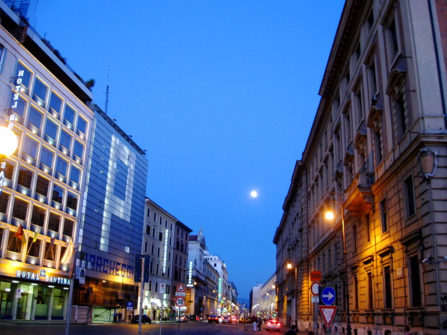 ローマの夜景のフリー写真素材