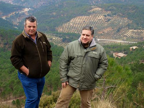 Dos de los Josés, con Las Salegas al fondo.