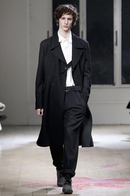 Axel Mirathon3121_FW11_Paris_Yohji Yamamoto(VOGUEcom)