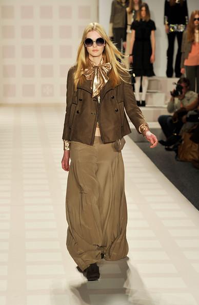 http://richgirllowlife.blogspot.com/ tory burch fall 2011