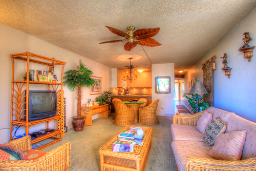 Lovely tropical decor in the living area by KamSands5-301