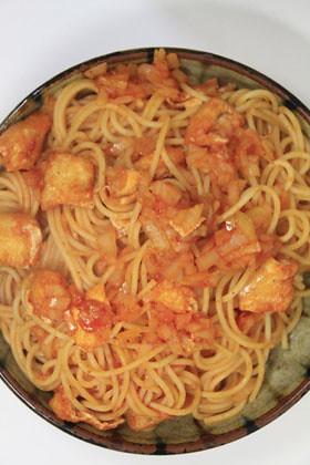 油揚げのトマトパスタ