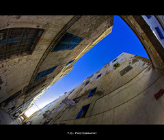 Essaouira Street (iPh4n70M) Tags: africa street old city blue sky photography town photo nikon photographer photographie centre north center du fisheye bleu ciel morocco photograph maroc tc medina nikkor 16mm rue narrow essaouira hdr ville nord vieille afrique mogador photographe troit 9xp d700 9raw tcphotography ph4n70m iph4n70m tcphotographie
