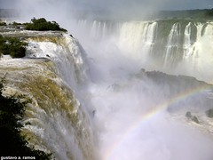 iguassu falls at the best of it (Gustavo Amarante Ramos) Tags: blue trees iris light red brazil cloud brown 3 tree green fall nature wet water argentina beautiful grass yellow brasil america wonderful amazing rainbow agua do blackberry south natureza sunday vezes falls lindo mais linda da cataratas beleza arvore arvores nuvem arco mundo mato foz sul bold megapixel melhor iguassu molhado iguau maravilhas maravilha incrivel 9780 vazao