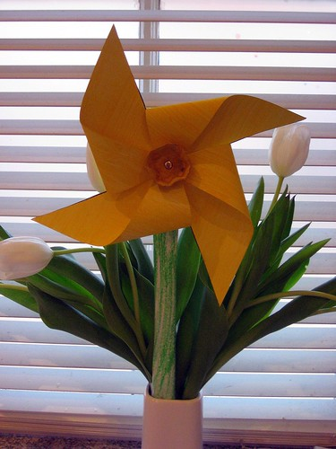 Daffodil Pinwheel Craft, crafts, kids crafts, Easter crafts