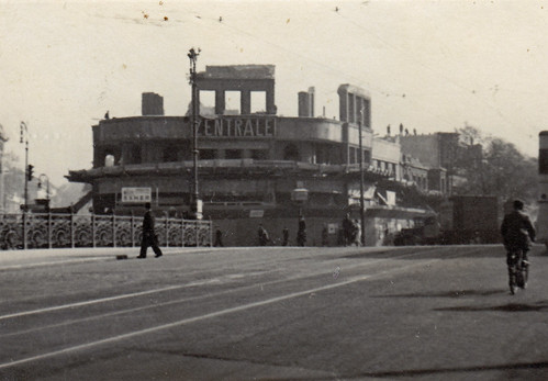 Potsdamer brücke, Berlin. 'Zentrale' building being demolished. Circa 1942.