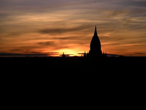 Amanece en Bagan