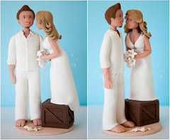 Beach Wedding Couple (Rouvelee's Creations) Tags: wedding beach polymerclay caketopper figures brideandgroom rouvelee tallgroom shortbride