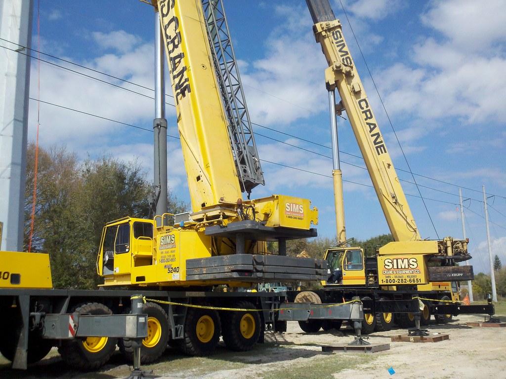 Sims Crane Grove GMK 5240